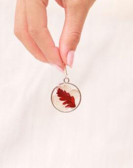 pendiente artesanal hoja roja